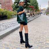 Welcome Hvisk 💖 A new colorful, playful and PETA certified, Vegan fashion brand based in Copenhagen ☘️  #vegan #petacertified #shoulderbag #crossbodybag #hvisk #hviskbags #pelinaaccessories #agioianargyroi