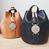 Εσείς μπορείτε να διαλέξετε;😉😉😉 FRNC τσάντα πλάτης πουγκί σε υπέροχο υλικό για σούπερ εμφανίσεις 🥰🥰🥰 #frnc #pelinaaccessories #backpack